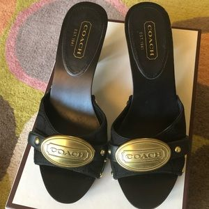 🖤 COACH Addisyn Signature C Gold Logo Sandals